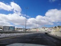 Sneeuw, wolken, schoonheid, weg stock afbeelding