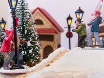Sneeuwbalpret in het modeldorp Royalty-vrije Stock Foto's