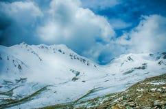 Sneeuwberg Stock Afbeeldingen