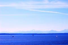 Sneeuwberg en Oceaan Royalty-vrije Stock Foto