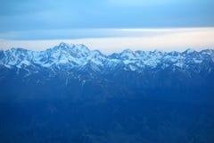 Sneeuwbergen stock afbeelding