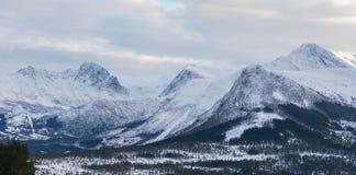 Sneeuwbergen, Noorwegen Royalty-vrije Stock Afbeeldingen