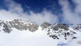 Sneeuwbergen voor het ski?en in Innsbruck Stock Afbeelding