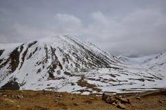 Sneeuwberglandschap royalty-vrije stock foto's