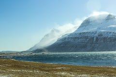 Sneeuwberglandschap, Oost-IJsland Stock Foto's