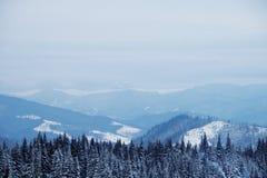 Sneeuwbergpiek in de ochtend Royalty-vrije Stock Foto
