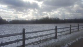 Sneeuwdag op het Landbouwbedrijf Stock Fotografie