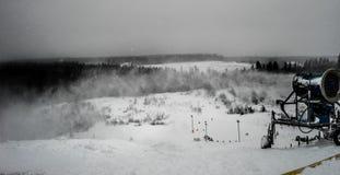 Sneeuwkanon royalty-vrije stock afbeeldingen