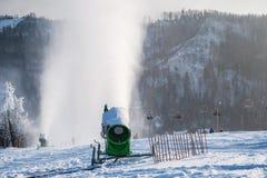 Sneeuwkanonnen Stock Afbeeldingen