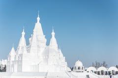 Sneeuwkasteel op een zonnige dag Royalty-vrije Stock Fotografie