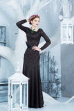 Sneeuwkoningin, december Elegante vrouw in lange kleding De winter Royalty-vrije Stock Foto