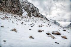 Sneeuwlandschap dichtbij glaicer in de bergen van Oostenrijk Stock Fotografie