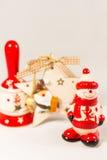 Sneeuwman, de ster van de Kerstman, klok en houten doos, concept Vrolijke Kerstmis en Gelukkig Nieuwjaar Stock Fotografie
