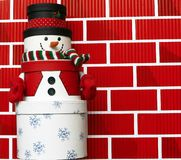 Sneeuwman die van de Dozen van de Gift wordt gemaakt Royalty-vrije Stock Fotografie