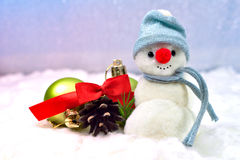 Sneeuwman en Kerstmisballen Royalty-vrije Stock Foto