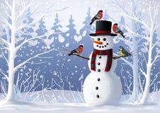 Sneeuwman en vogels in de snow-covered bosgoudvink en mees de winterillustratie Kerstmis en de wintervakantie Stock Afbeeldingen