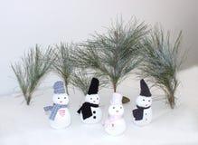 Sneeuwman met bomen Royalty-vrije Stock Foto