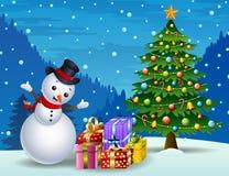 Sneeuwman met Kerstmisboom en giftdozen bij nachtachtergrond stock illustratie