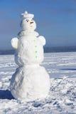 Sneeuwman op een winterse zonnige dag Stock Foto
