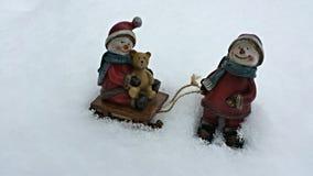 Sneeuwmannen het spelen Royalty-vrije Stock Afbeeldingen