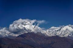 Sneeuwpiek van Dhaulagiri-Berg in het Himalayagebergte in Nepal Mening van Poon Hill stock afbeeldingen