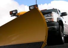 Sneeuwploeg en vrachtwagen Royalty-vrije Stock Afbeeldingen