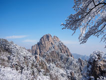 Sneeuwscène op huangshan berg Stock Afbeelding