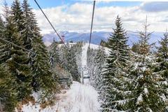 Sneeuwscène van Karpatische Bergen, Roemenië Panoramische horizo Stock Fotografie