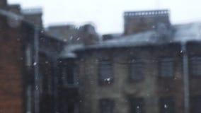 Sneeuwstorm in de stad stock footage