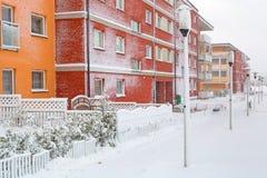 Sneeuwstraat in de wintertijd Stock Afbeeldingen