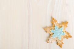 Sneeuwvlok verfraaid Kerstmiskoekje Royalty-vrije Stock Foto's