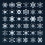 Sneeuwvlokkensilhouet Het symbool van de de wintersneeuw, de ijssneeuwval en de koude sneeuwvlok isoleerden vectorpictogramreeks stock illustratie