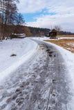 Sneeuwweg aan een Traditionele Windmolen Stock Fotografie