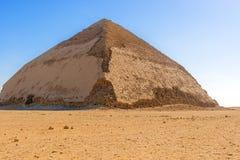 Sneferu的弯曲的金字塔,代赫舒尔, Al Jizah,埃及 免版税库存图片
