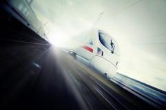 Snel bewegende trein Stock Fotografie