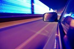Snel bewegende voertuigen in de stad Stock Afbeeldingen