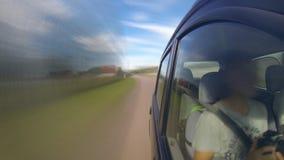Snel drijvend een auto Geschoten op Canon 5D Mark II met Eerste l-Lenzen stock video