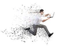 Snel Internet-verbindingsconcept met lopende zakenman stock afbeelding