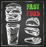 Snel voedsel, menu, hand getrokken Schoolbord Stock Afbeelding