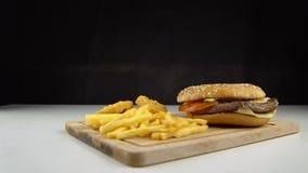 Snel voedsel slecht voedsel stock footage