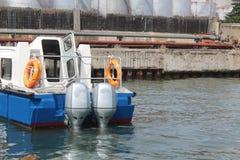 Snelheid bij een pier wordt vastgelegd die Royalty-vrije Stock Foto's
