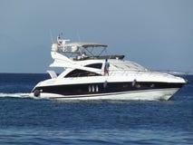 Snelheidsboot met water Stock Foto