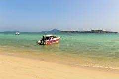 Snelheidsboot op zee in phuket Thailand Royalty-vrije Stock Afbeelding