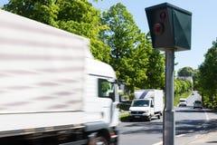 Snelheidscamera met vrachtwagens Stock Foto's