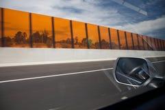 Snelle auto op een weg, snelheid Royalty-vrije Stock Afbeelding