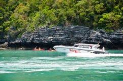 Snelle snelheidsboot royalty-vrije stock afbeelding