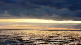 Snelle spruit van een zonsondergang in Kroatië, Europa stock video