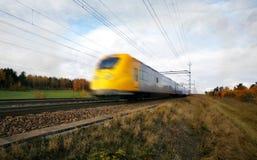 Snelle trein met motieonduidelijk beeld Royalty-vrije Stock Foto