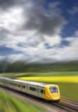 Snelle trein in motie stock afbeelding