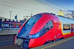 Snelle trein op post Royalty-vrije Stock Afbeeldingen